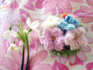 Brooch1rav_small2