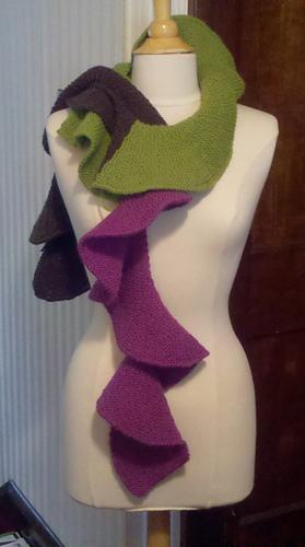 Twisted_scarf_1_medium