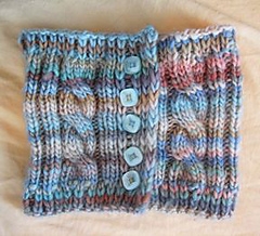 Chunkymo_buttoncowl3_small