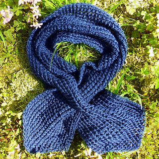 Tunisian_bump_stitch_keyhole_scarf__blue__small2