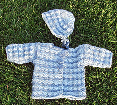 Rich_ribbed_sweater_with_leaf_buttons_small