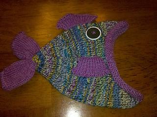 Rainbow_fish_hat_side_small2