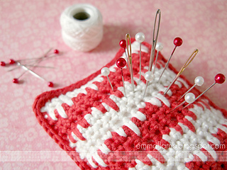_emma_lamb_-_nordic_pincushion_-_ravelry_1_small2