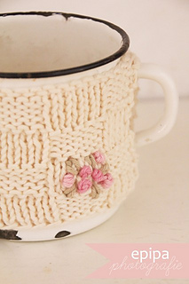 Blog_knitted_cozy_by_epipa_komp_small2