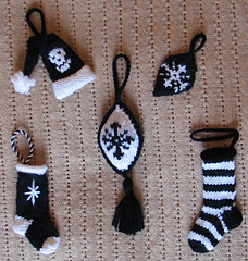 Gothicyuletreedecorationscrop1_small