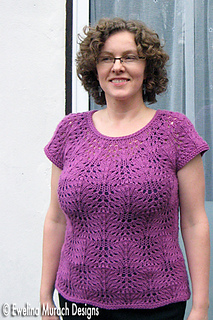 Feather_pullover_front_2_small2