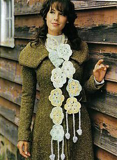Daisy-chain-scarf