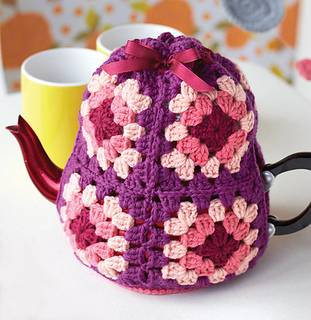 Granny_20tea_20cozy_small2