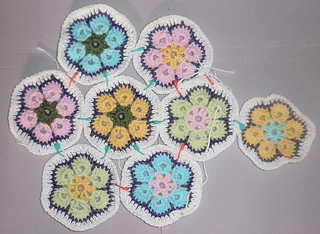 Africanflowertrivet02_small2