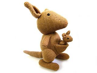 Kangaroo_side_small2