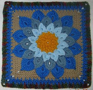 Crocodile_flower_for_2012_aug_bamcal_filler_dscn2484e_small2