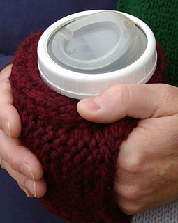 Cuppow_coffee_cozy_close_up_2_hands_small2