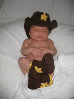 Cowboy_hat_and_boots_small2