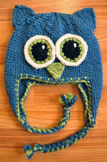 Teal_knitted_owl_hat_small2