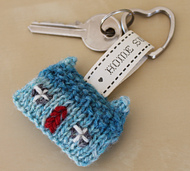 Ravelry: Home Sweet Home Wee House Brooch and Key Ring pattern by Julia Marsh