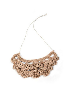 Crochet_bib_necklace_pattern_small2