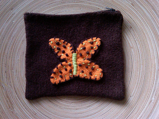 Felted_accessory_bag_small2