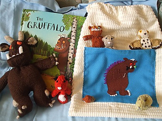 Gruffalo_and_bag__5__small2