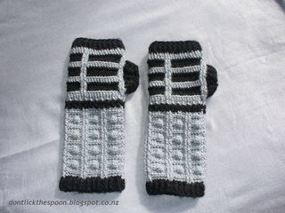 Dalekgloves1_small2