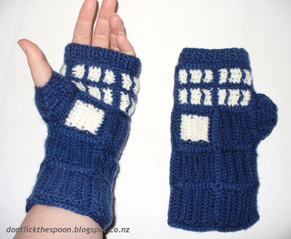 Tardisgloves9_small2