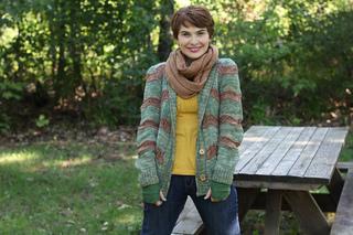 Devon_cardigan_knitting_pattern_karin_kemper_holla_knits_wooly_wonka_fibers_brigit11_small2
