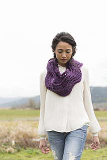 Ric_rac_infinity_scarf_hero_pattern_cover_line_sheet__427x640__small2