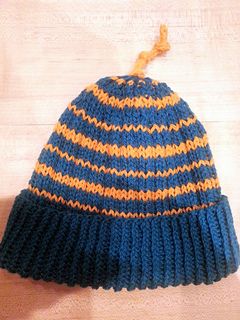 Ribbed_stripey_hat_small2