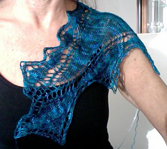 Wavy_seas_shawl1_small
