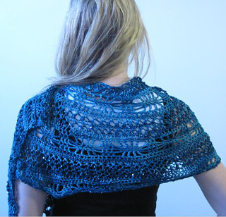 Knitcrochetshawl_small2