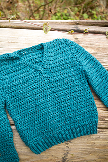 Simple-crochet-v-neck-baby_03_small2
