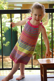 Summer_happy_fun_dress_099_small2
