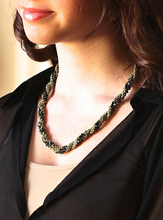 Emrld_leah_neck_small2