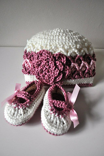 Booties_hat_small2