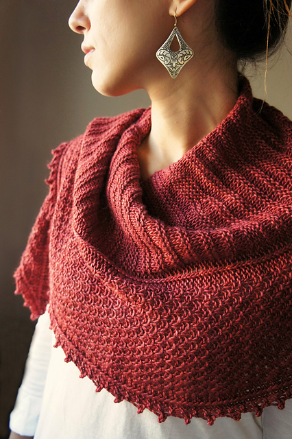 http://www.ravelry.com/patterns/library/autumn-blush