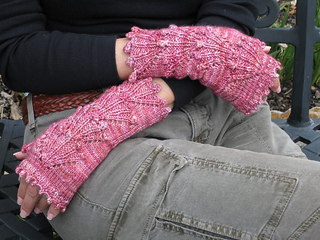 Dogwood_mitts_8_resized_small2