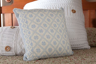 Ullared_cushion_1_small2