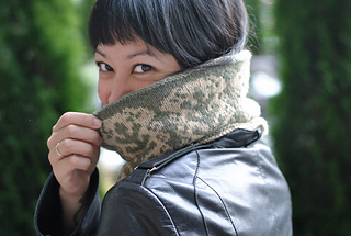 Firenze_cowl_right_side_out_pattern_size_small2