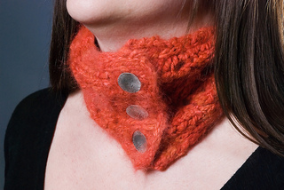 Angora_neckwarmer_button_band_lg_small2