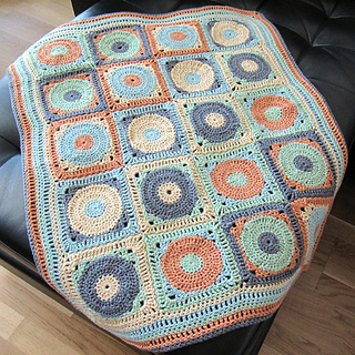 Circles-squares-blanket-popup_small2