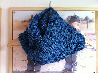 Double_basketweave_cowl_hanger_small2