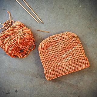 Orange_heel_stitch_hat_finished_small2
