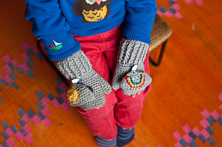 Sunshine_and_showers_mittens_2_small2