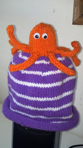Octopus_hat_medium