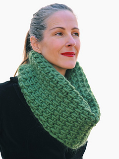 Tunisiancrochetcowl_1_small2