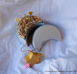 Moon_pin_cushion_2_small2