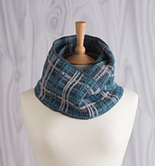 Perfelty_plaid_crochet_infinity_scarf1_montage_jane_burns_small