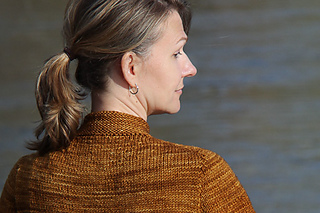 Koa_the_kniting_vortex_back_shoulder_small2