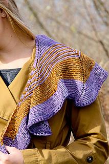 Swirligig_closeup_the_knitting_vortex_small2