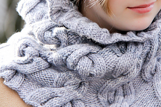 Chic_mega_cowl_cover_the_knitting_vortex_small2
