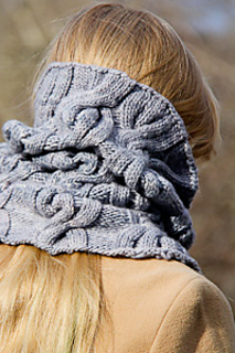 Chic_mega_cowl_back_view_the_knitting_vortex_small2